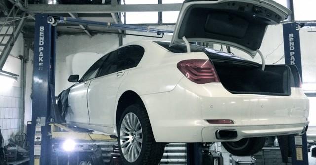 Ремонтируем двигатель BMW 750i